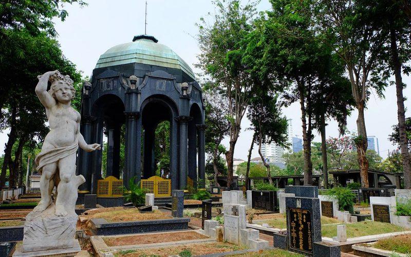 Sarat Sejarah Mausoleum OG Khouw