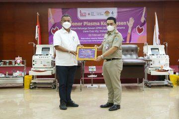Wagub DKI Donorkan Plasma Konvalesen di Kegiatan Keluarga DPRD